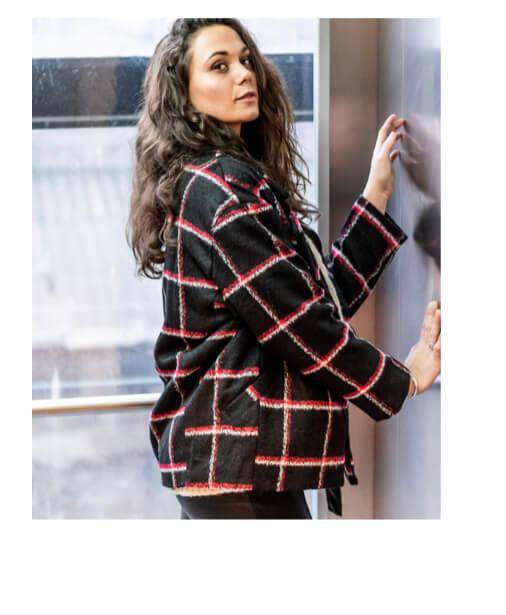 manteau rouge et noir