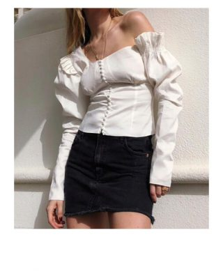 blouse blanche epaules denudees