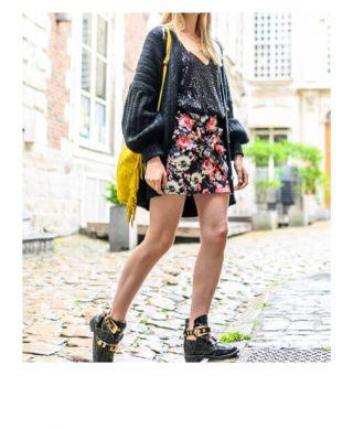 jupe courte à fleurs