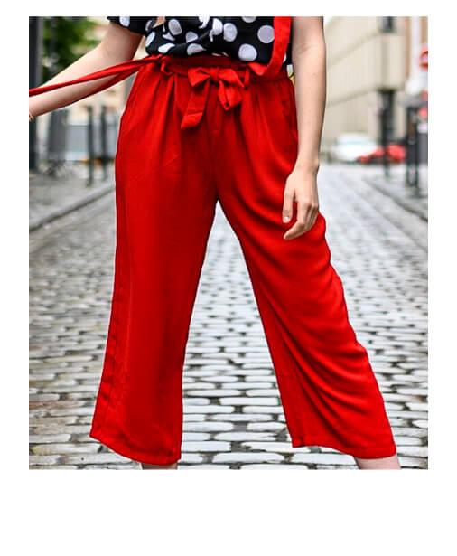 pantalon fluide et large à bretelles amovibles
