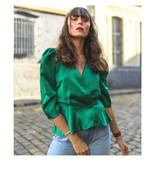 blouse verte satinée