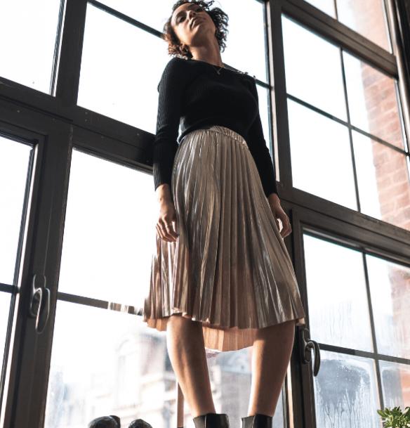 jupe plissée longueur midi
