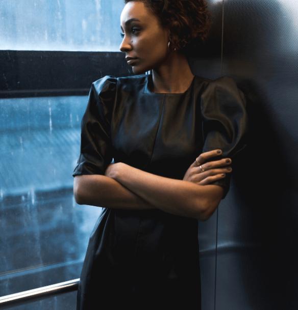 robe noire simili