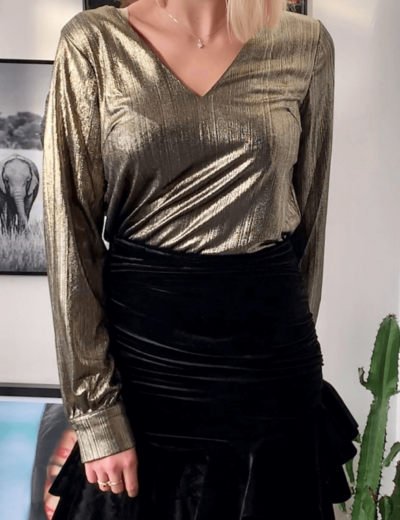 blouse col v