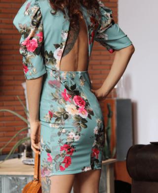 robe-courte-dos-nu
