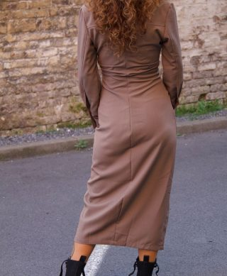 detail robe longue dos