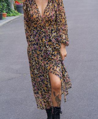 robe longue imprimee col v