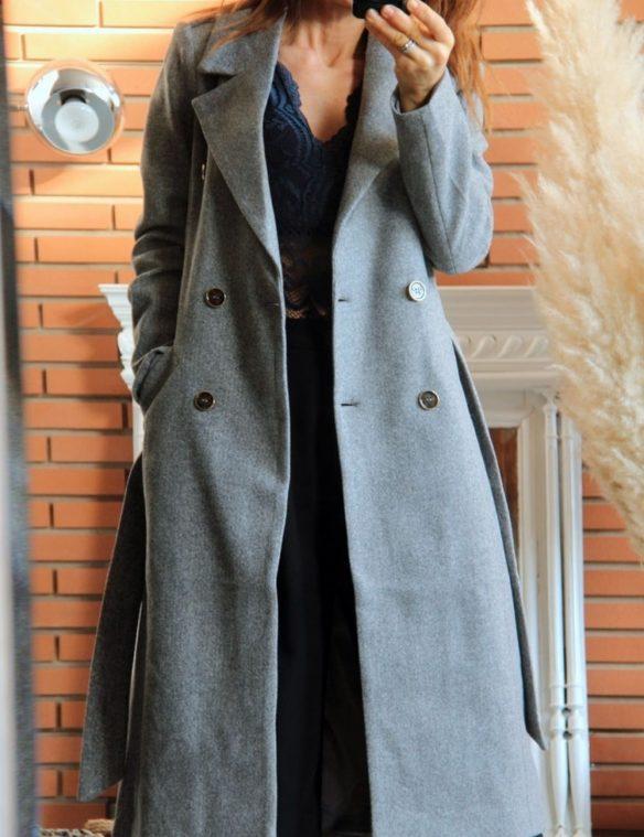 manteau long gris double boutonnage